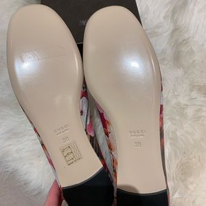 Gucci Shoes - Gucci Blooms Leather Red Ballerina Flat EU38